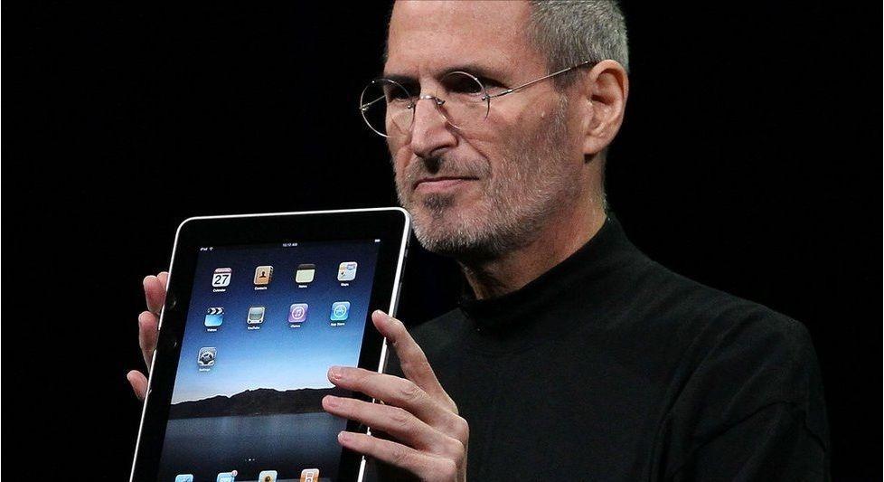 Steve Jobs cuando presentó el iPad