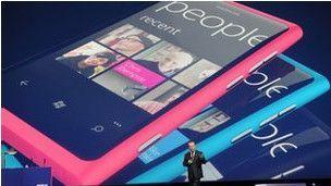 Presentación del Nokia Lumia 800 con Windows Phone 7