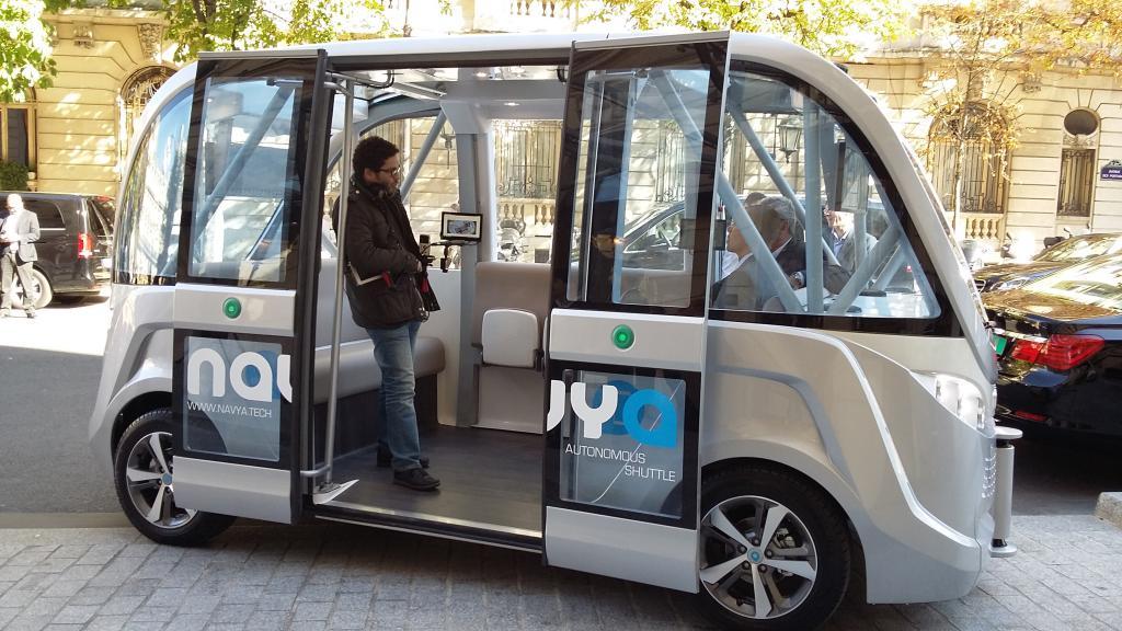 Navya Arma el primer microbus autónomo sin necesidad de un conductor