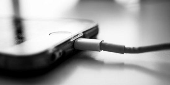 ¿Como elegir el cargador correcto para tu celular?