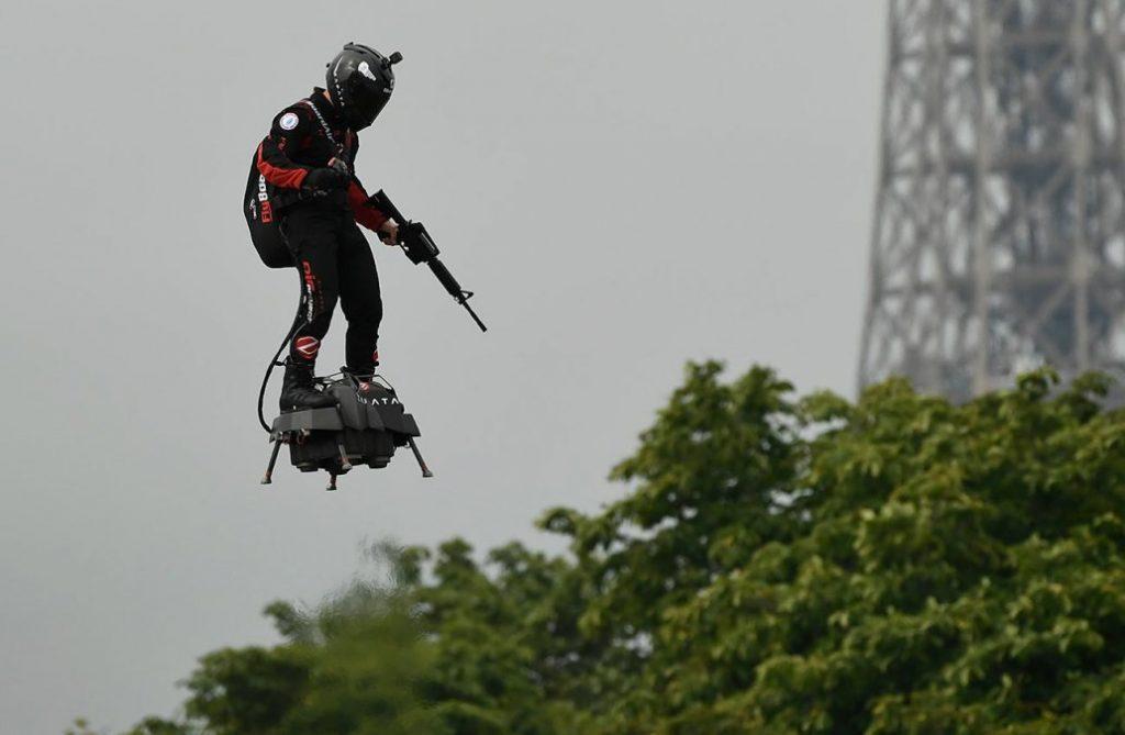El hombre volador que intento cruzar el canal de la mancha